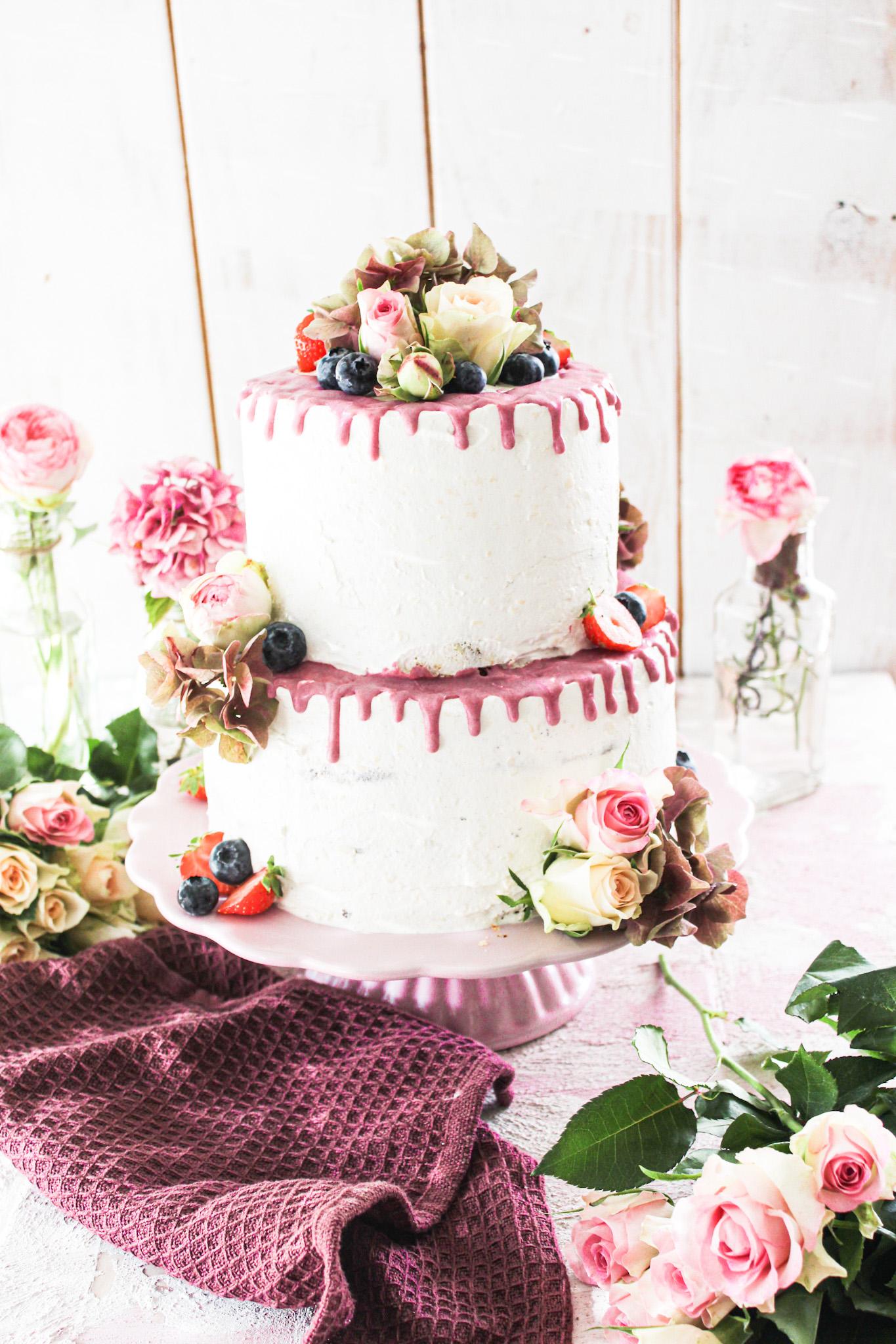 Zweistöckiger Drip Cake